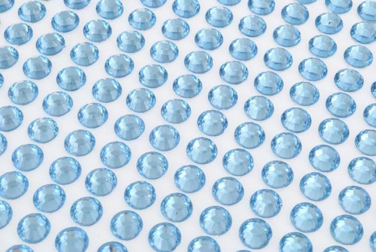 ISO Dekoračné samolepiace kryštáliky 260 ks2