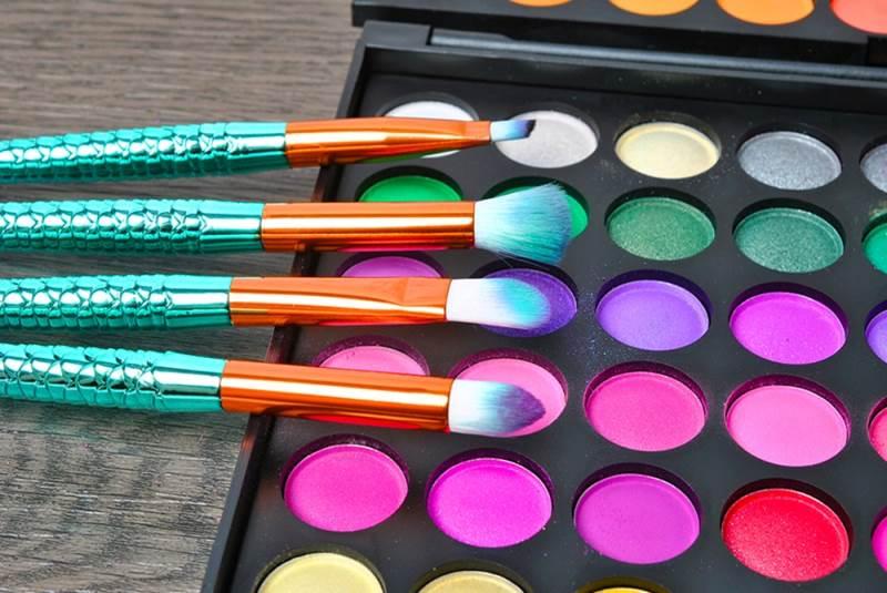 ISO 6604 Sada kosmetických štětců siréna - 11 kusů7