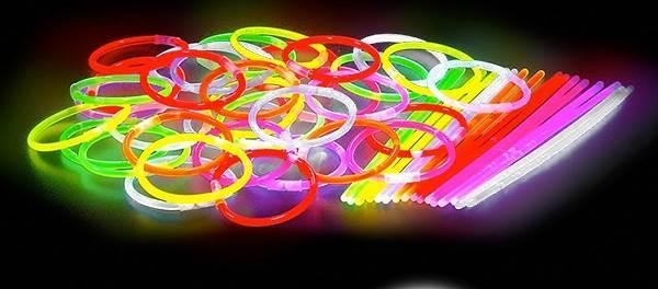 APT Svítící náramky Mix barev 100ks2