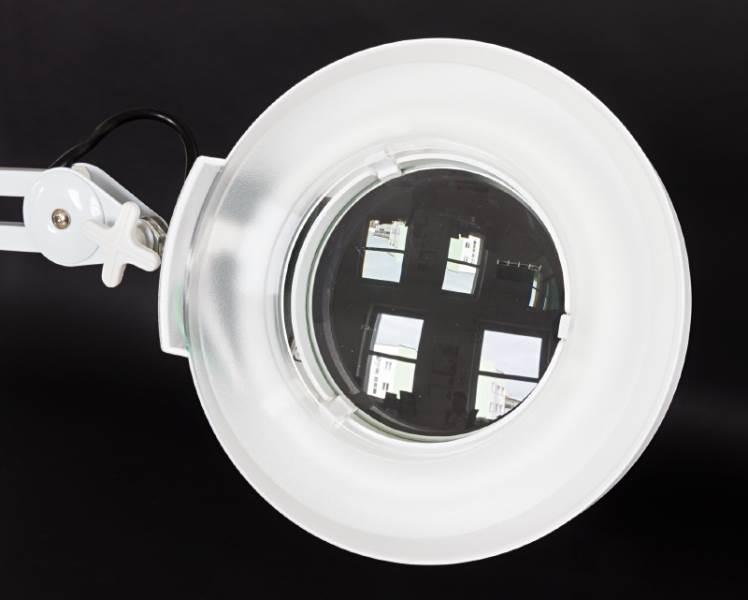 APT Kozmetická lampa s lupou ZD565