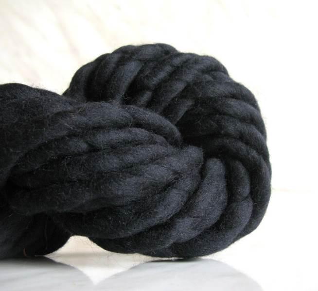 GFT Priadza pre ručné pletenie čierna 31m