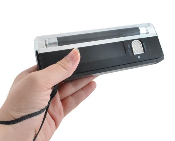 ISO Přenosný UV detektor padělků 1