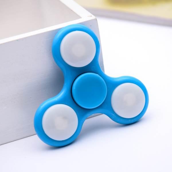 Fidget spinner s LED osvetlením 7 cm modrý